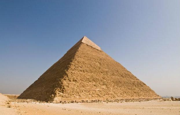 misir-piramitlerinin-uzerinden-gecen-meridyen-denizleri-ve-karalari-iki-esit-parcaya-boluyor.jpg