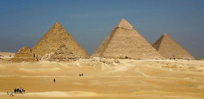 uc-giza-piramidi.jpg
