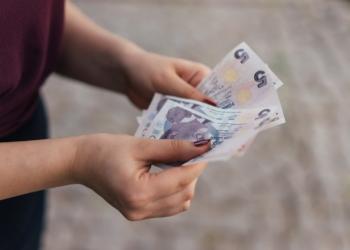 fitir sadakasi nedir fitre ne zaman kimlere verilir  fitre parasi ne kadar diyanet acikladi