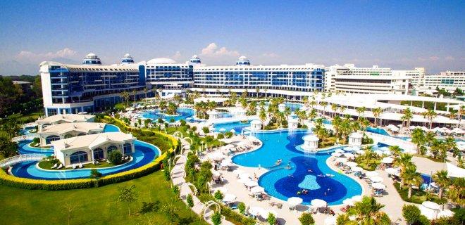 sueno-hotels-deluxe-belek-001.jpg