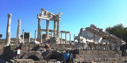 Bergama çevresinde kurulmuş olan antik şehir