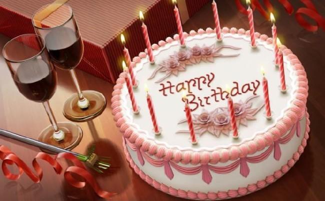 2018 resimli doğum günü mesajları - Kalbin, hangi güzel şey için çarpıyorsa, her doğan güneş sana onu getirsin. Doğum günün kutlu olsun.