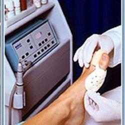 Ayak hastalıklarının tedavi eden tekniker