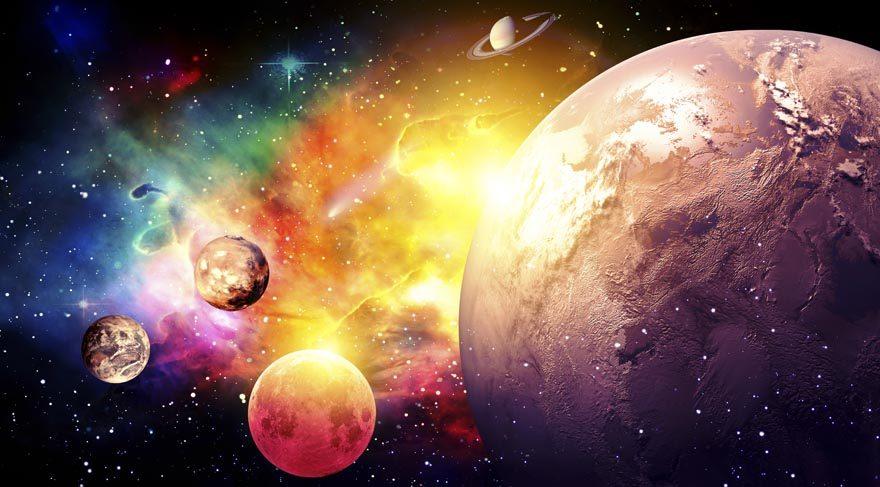 Tahmin edersiniz ki bir gezegen geri gitme sürecine başlamadan önce yavaşlaması ve durması gerekir. Bu durma zamanlarına 'Stationary' denir. Gezegenin istasyona çekilmesi demektir. Aslında Stationary (yani durağan olması) gezegen, Retro olan gezegenden çok daha zor ve tehlikelidir.
