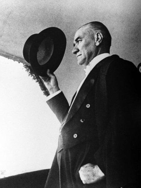 En anlamlı 10 Kasım Atatürk'ü anma mesajları! 10 Kasım mesajları ve sözleri