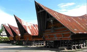 Ekvatoral iklim evleri