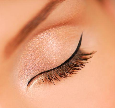 dipliner yapılmış göz kapağı