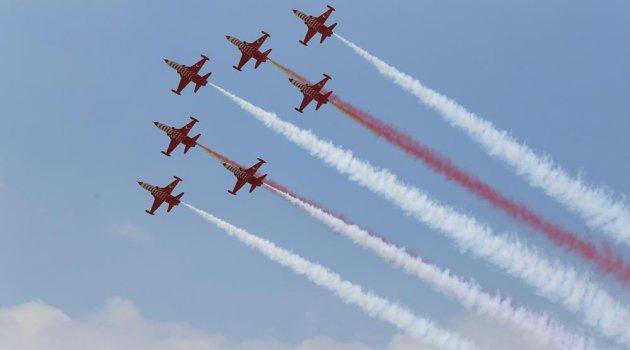 turk hava kuvvetlerinin  yili kutlamalari nefes kesti  b ced b ebfa