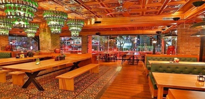 old-english-pub-istanbul.jpg