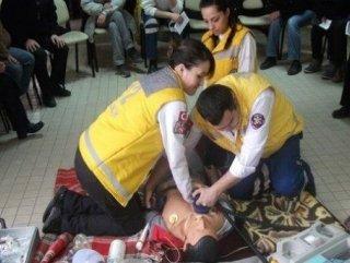 ambulansta-çalışan-kişiye-calisanlara-personeli-adı-müdahale-eden-paramedik-nedir-cody-bulmaca